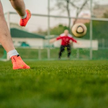 football-1274661_960_720